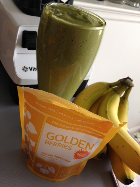 Navitas Naturals Golden Berries Green Smoothie from Healthy, Fit & Barefoot!