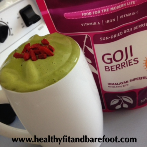 Mango Goji Green Protein Smoothie | Healthy, Fit & Barefoot!Mango Goji Green Protein Smoothie | Healthy, Fit & Barefoot!